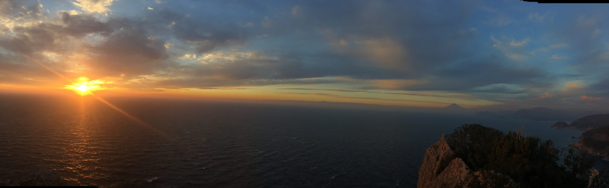 烏帽子山からの夕日と富士山