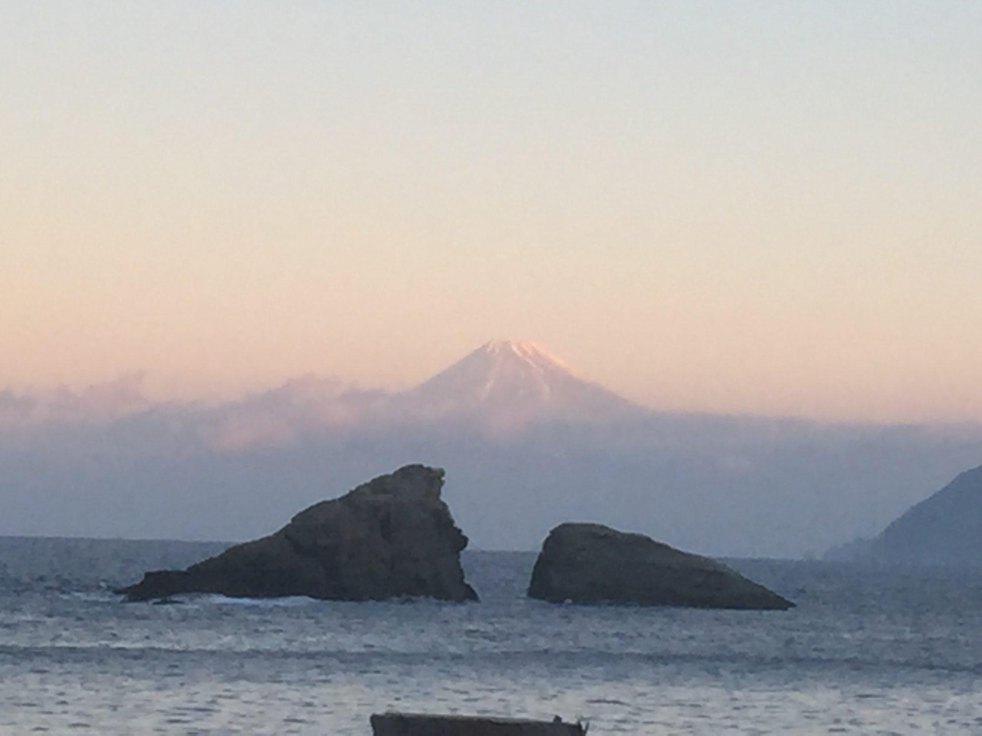 2016年雲見海岸からの富士山