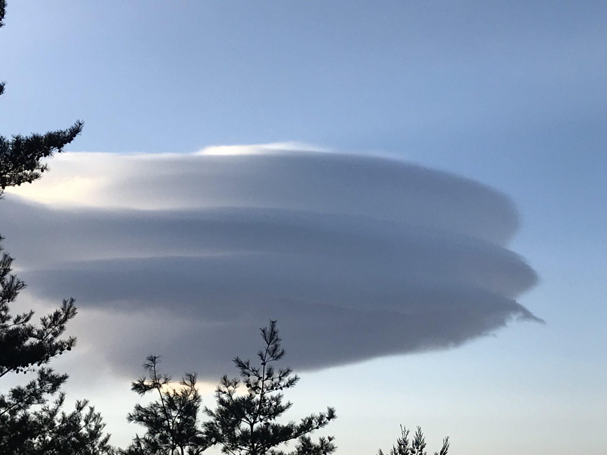 2月10日の吊るし雲