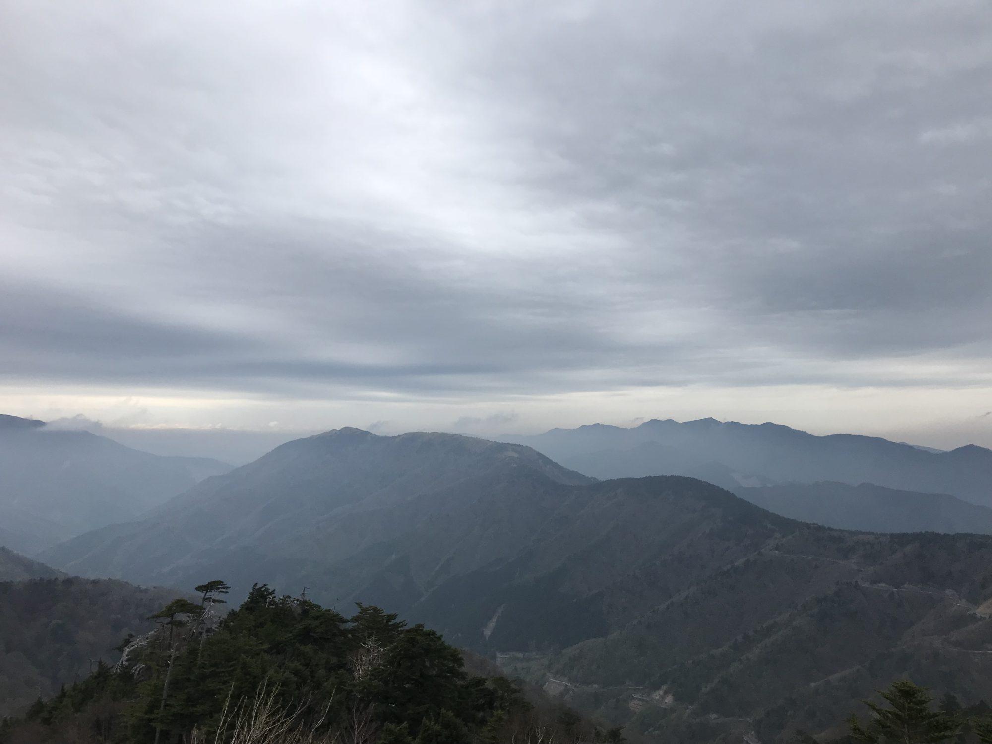 剣山登山道からの景色