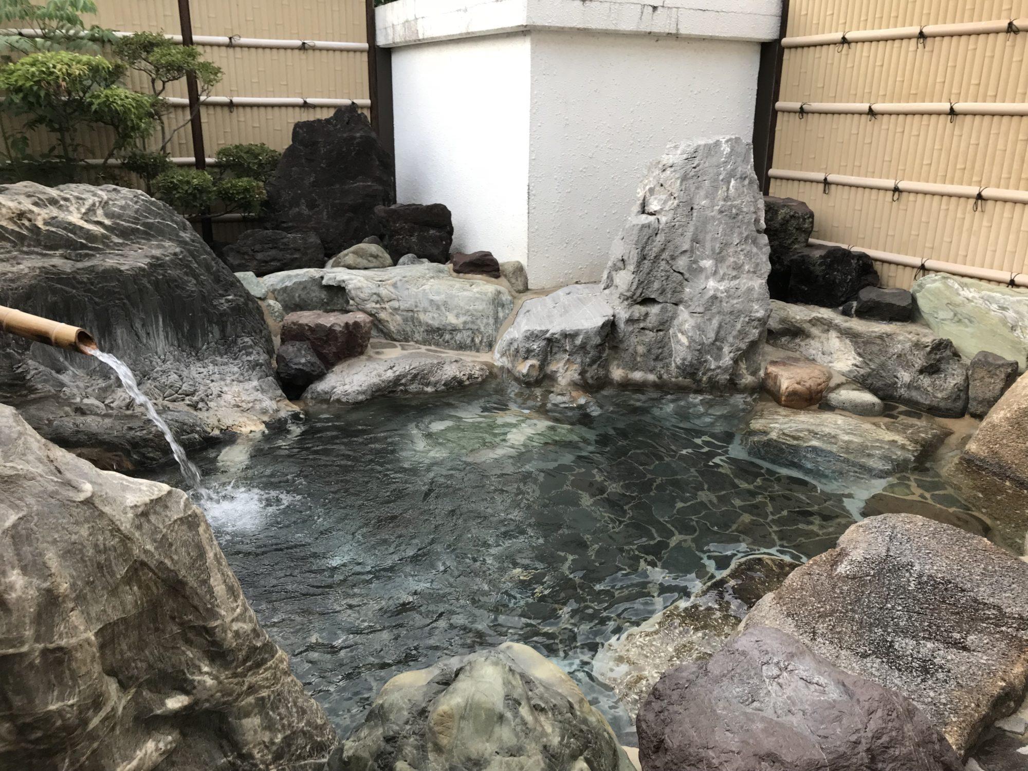 ふるさとの宿、露天風呂