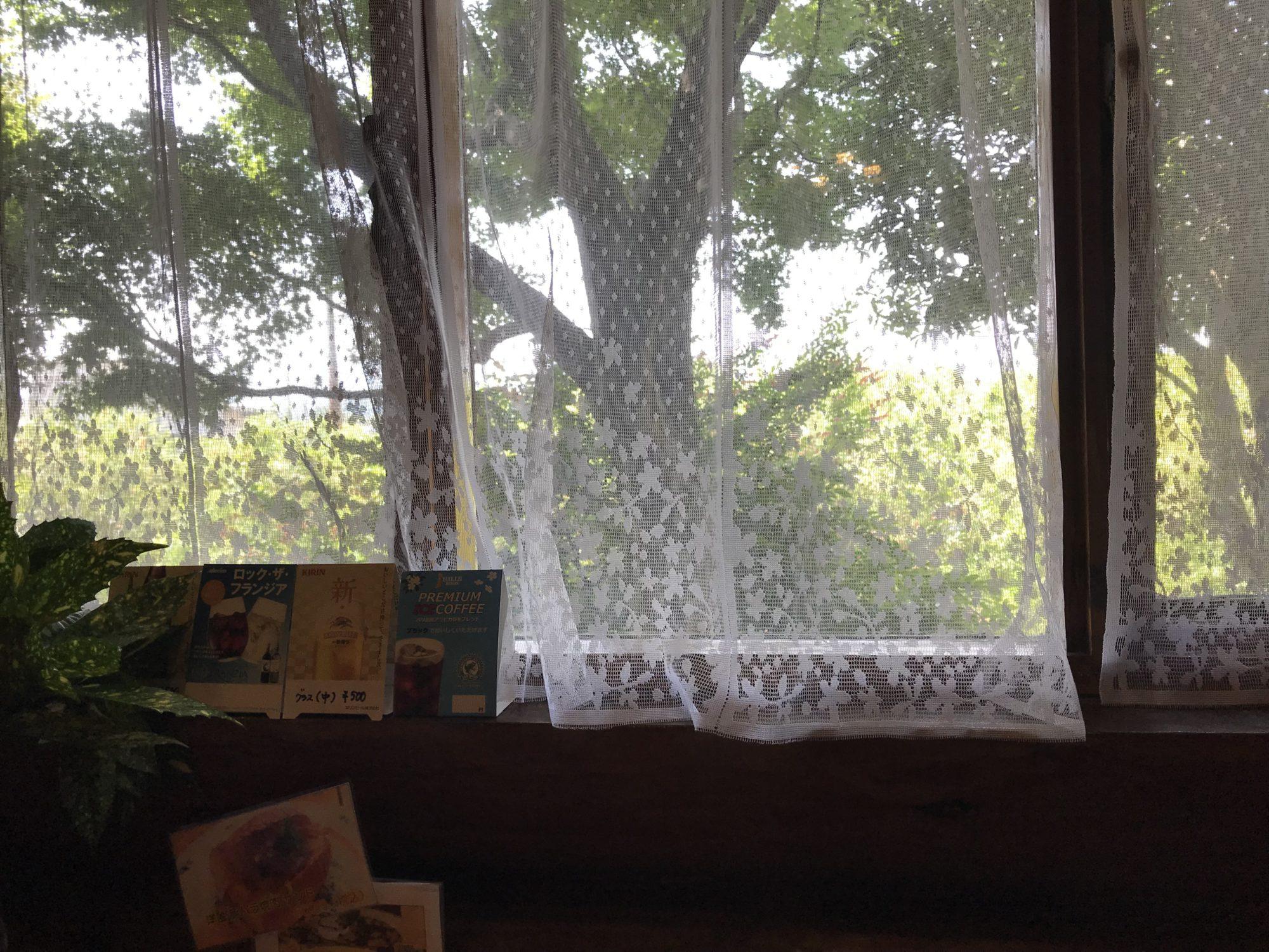 四分休符の窓