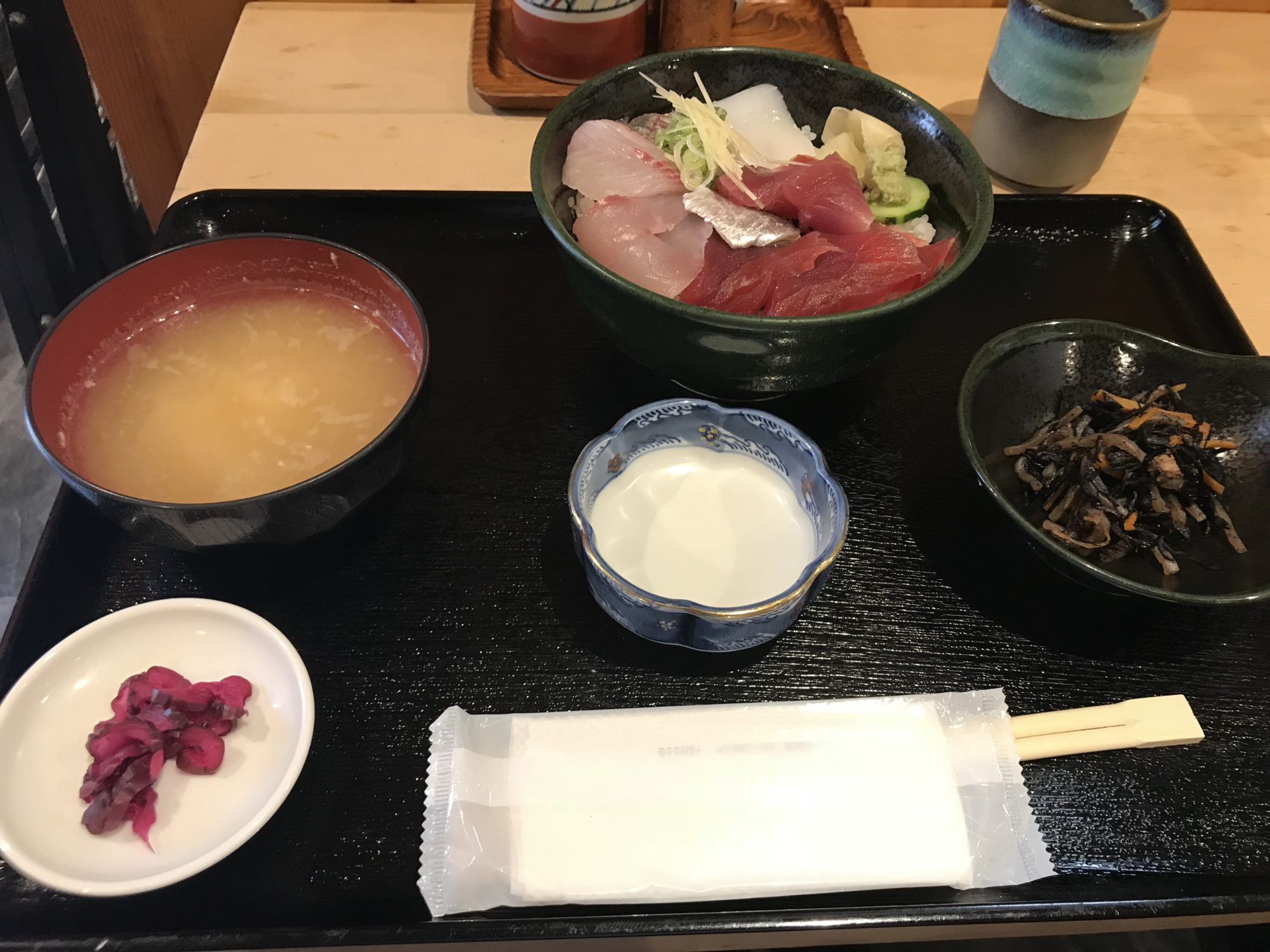 大平山海鮮丼