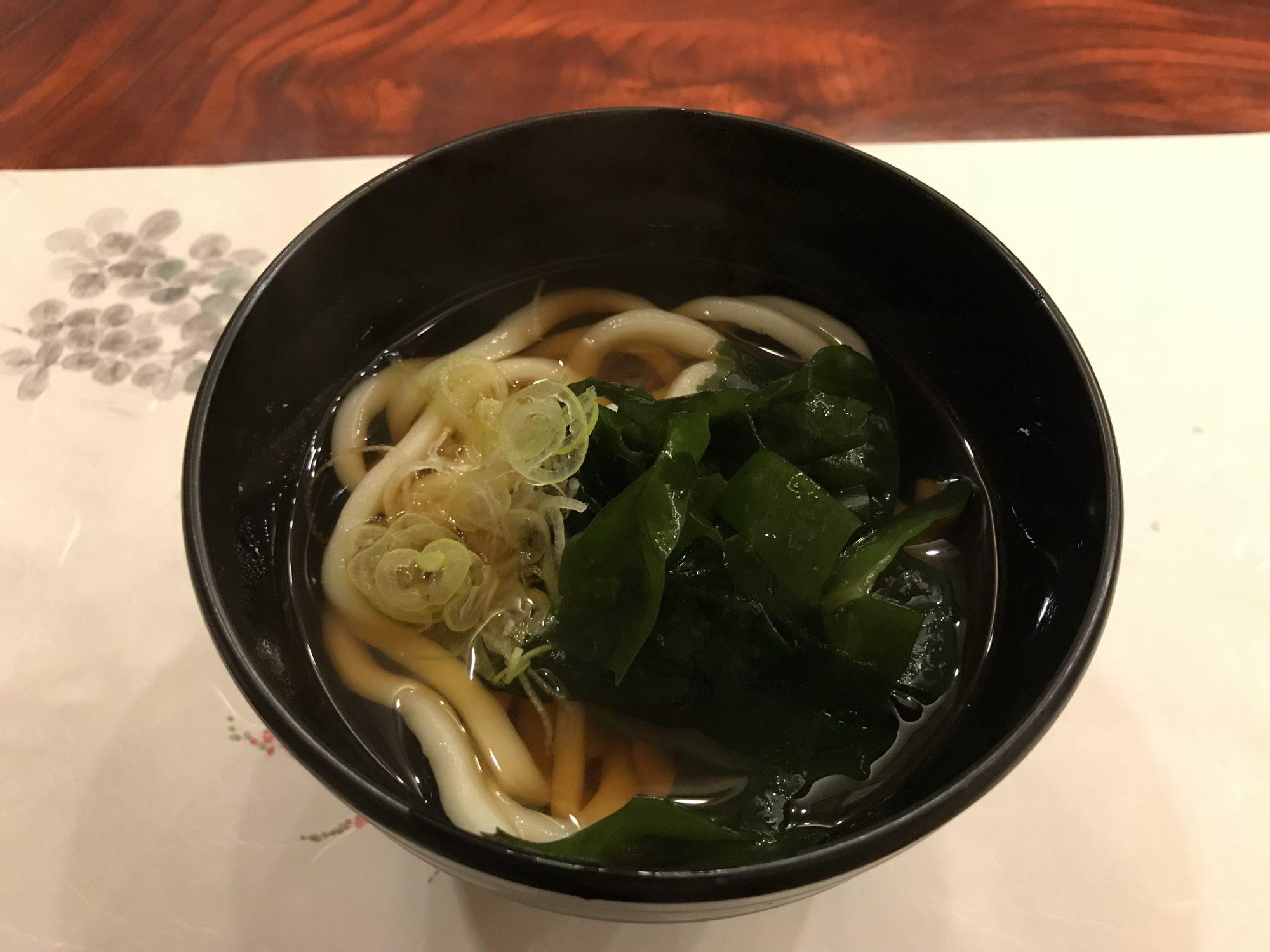 河口湖泰平館夕食吉田のうどん