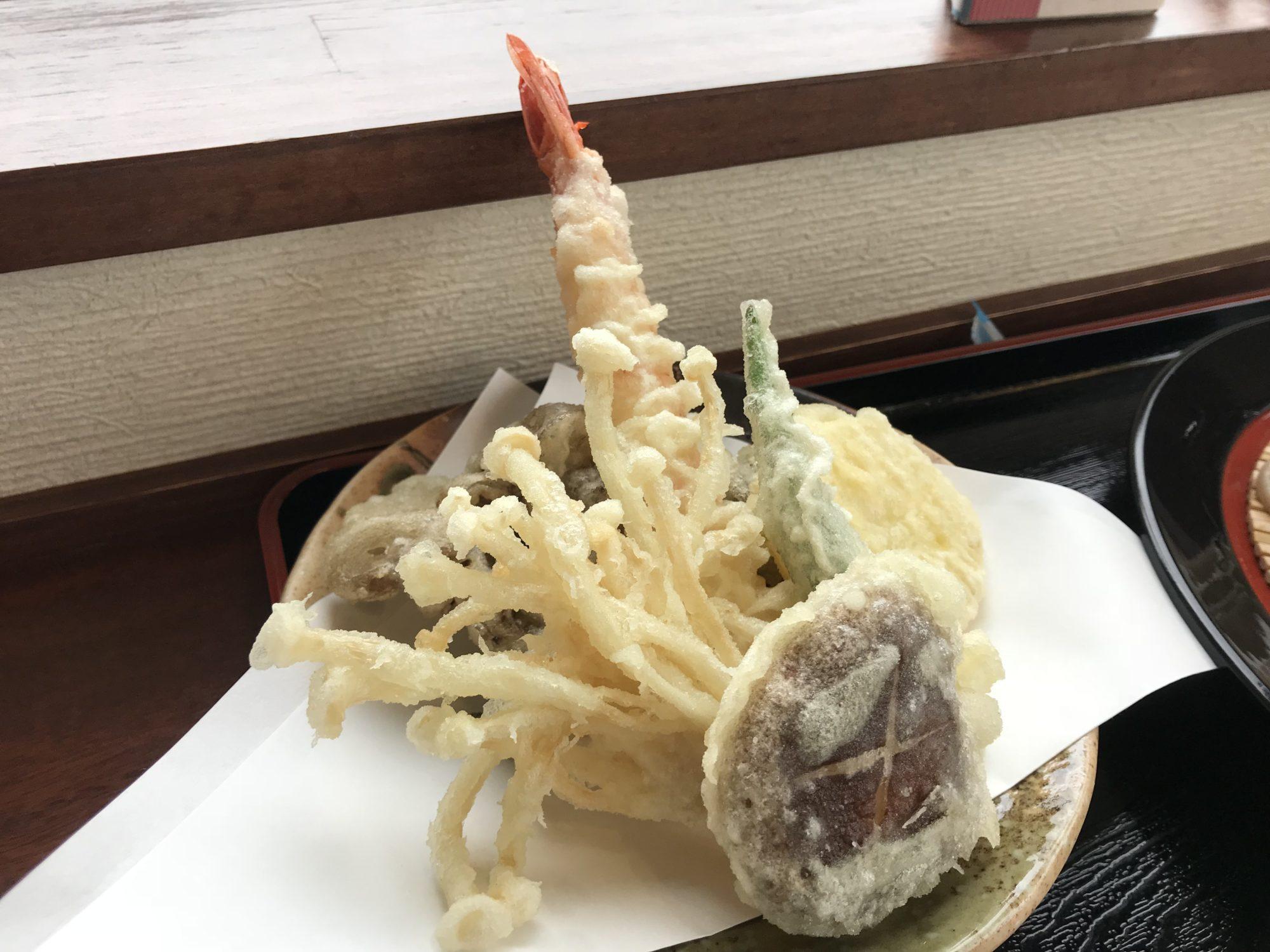 秋彩天ざるそばの天ぷら