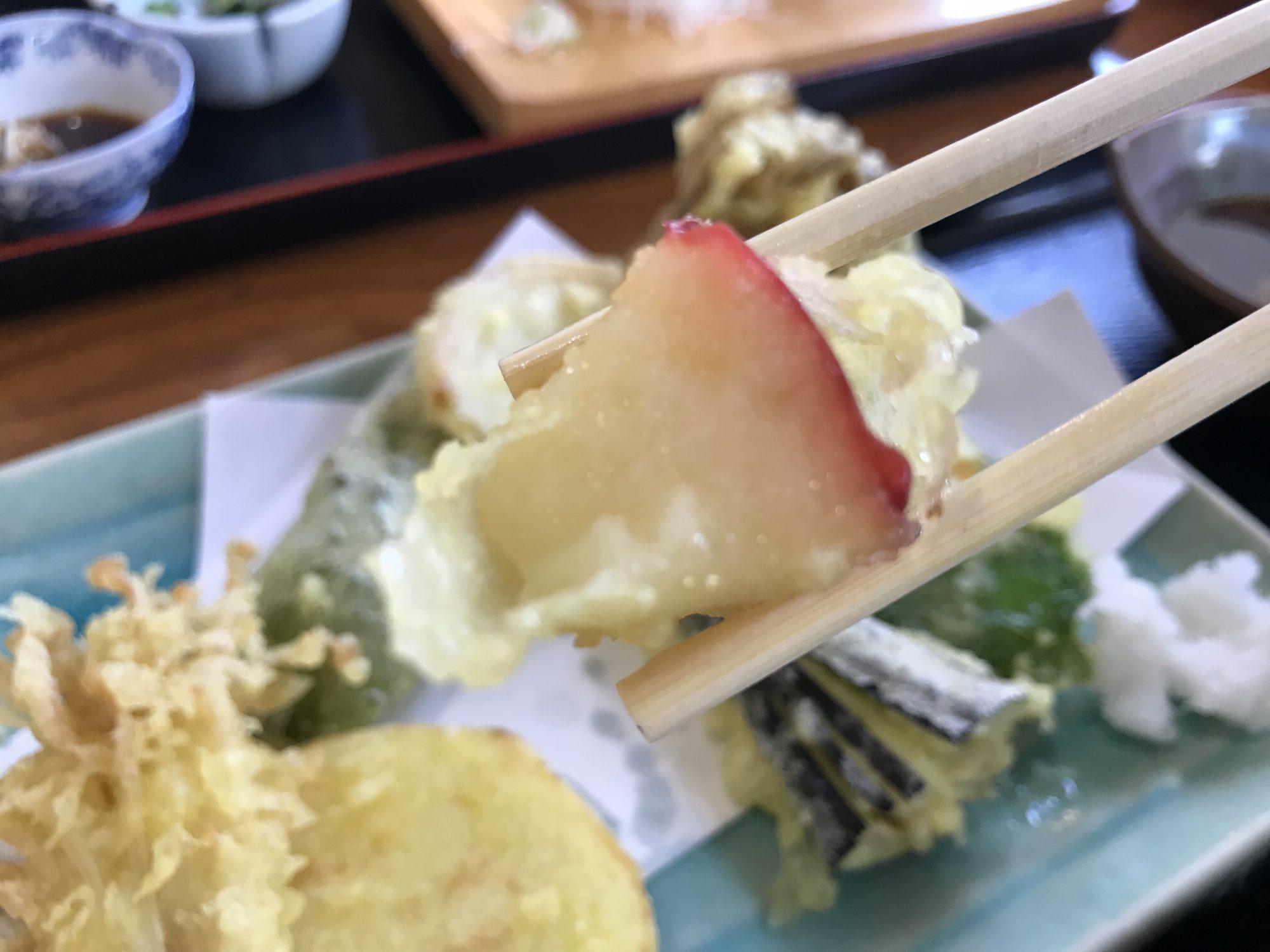 千ひろ秋野菜天ざる、りんごの天ぷら