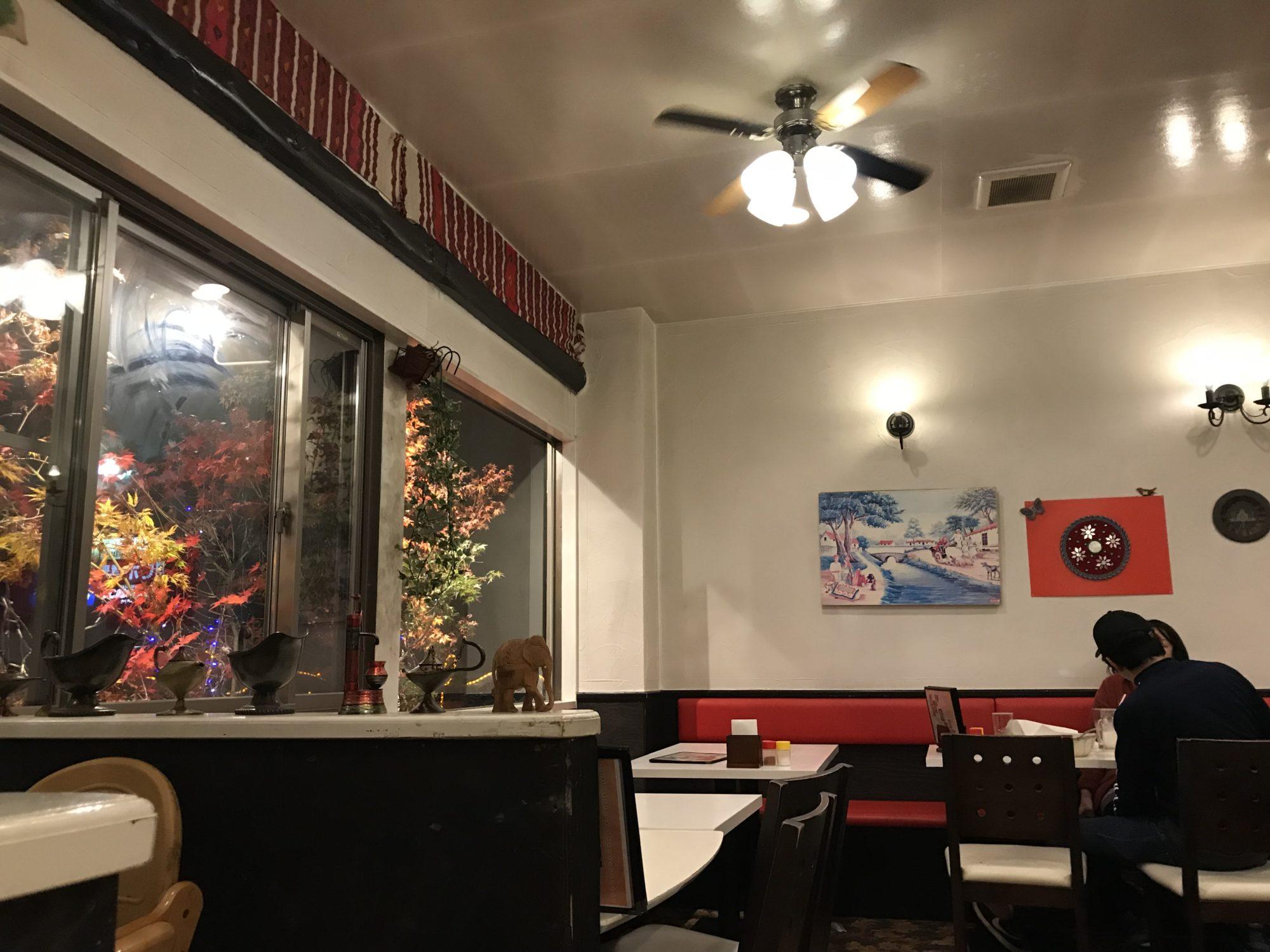 アラジン インドレストラン店内