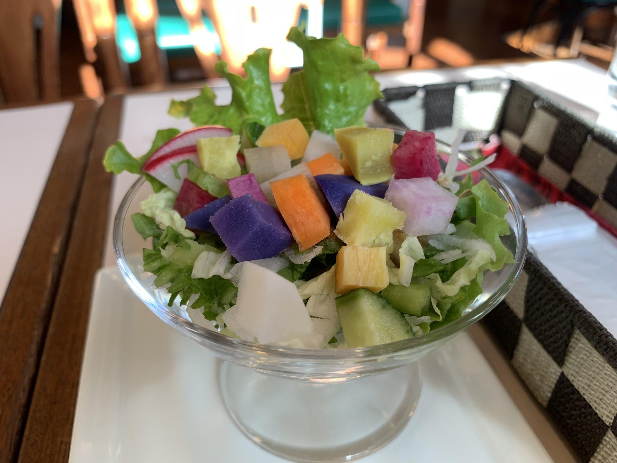 立川ほっこりカフェカラフル野菜サラダ