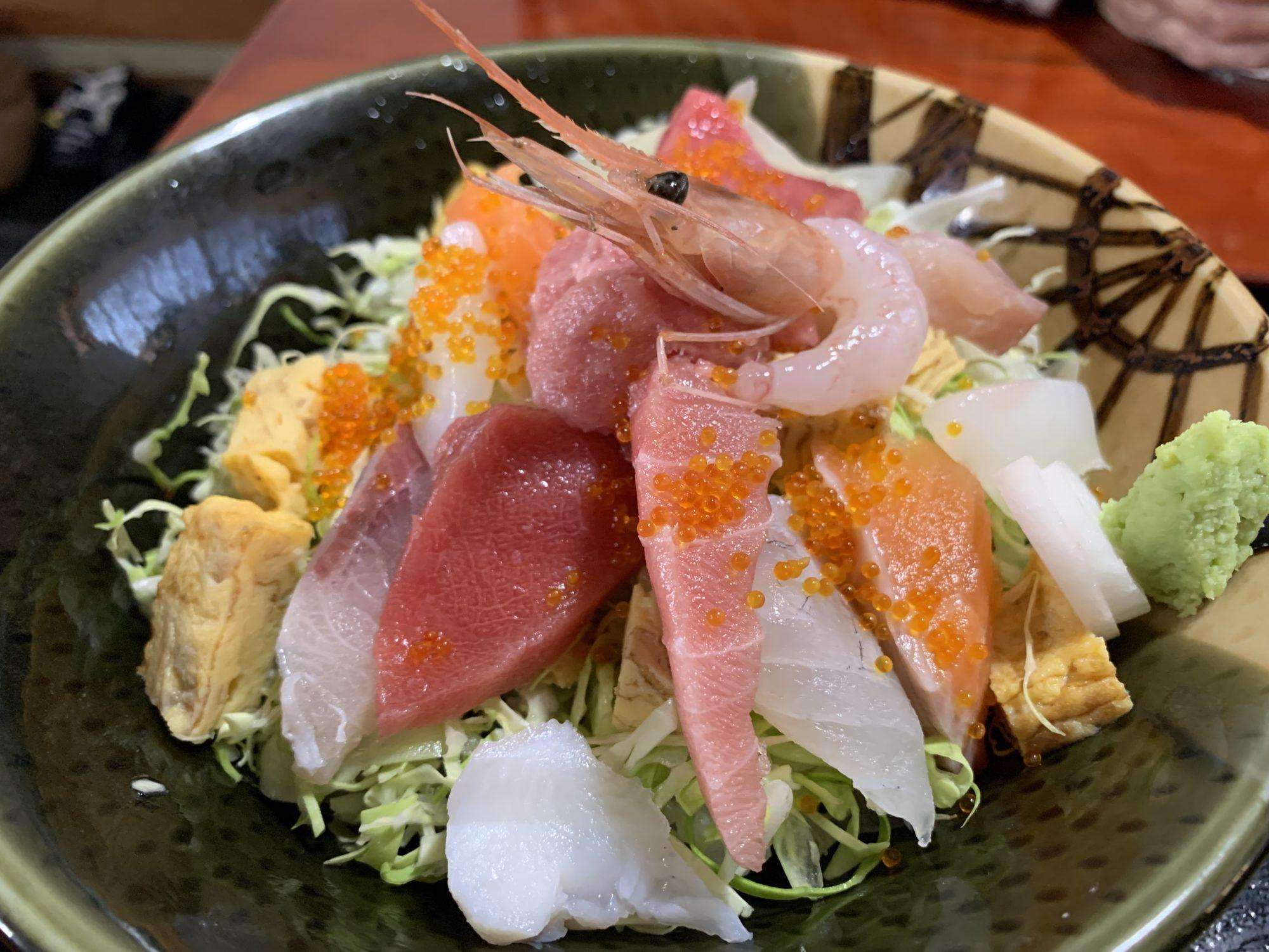 佐久穂の食事処しらかば海鮮バラちらし