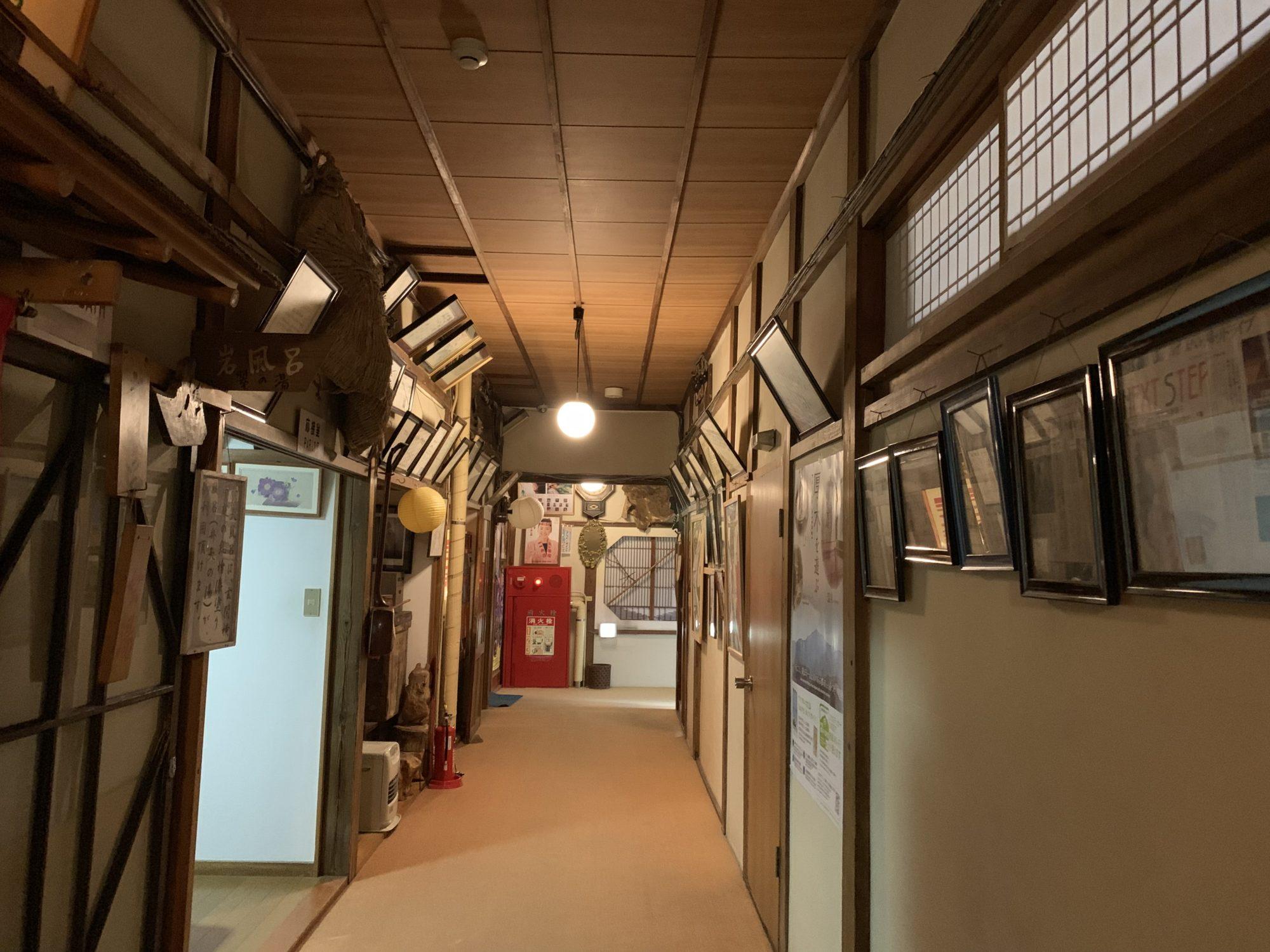 玉翠楼廊下