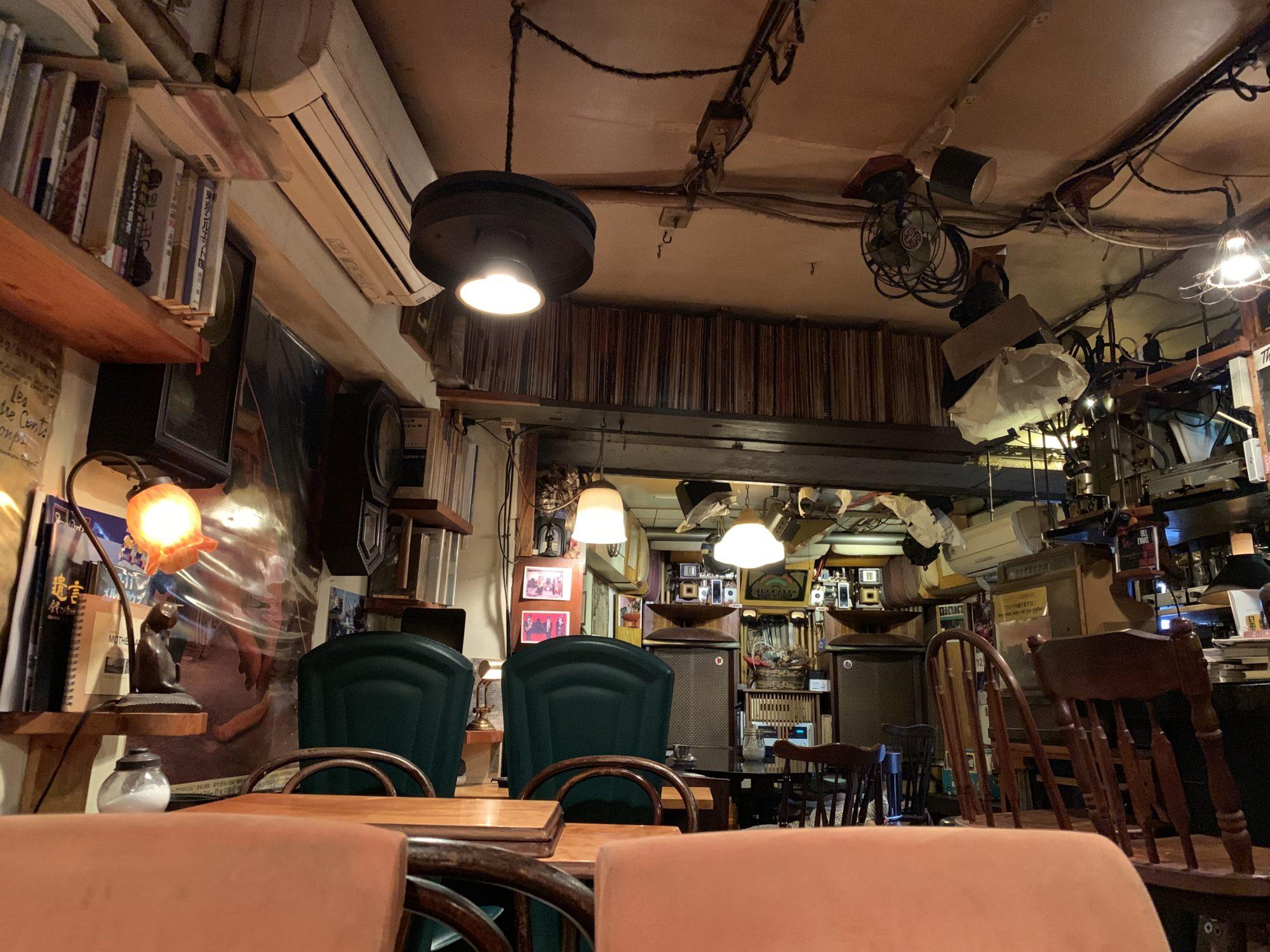 ジャズ喫茶 映画館店内